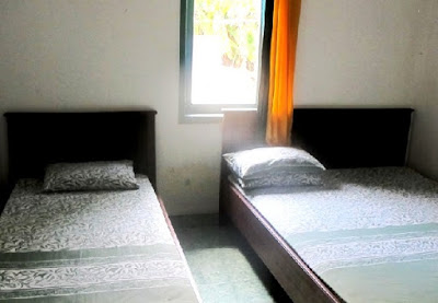 kamar tidur homestay hamfah karimun jawa