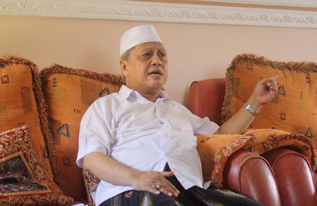 Cara Halus Kiai Achmad Chalwani Menolak FPI