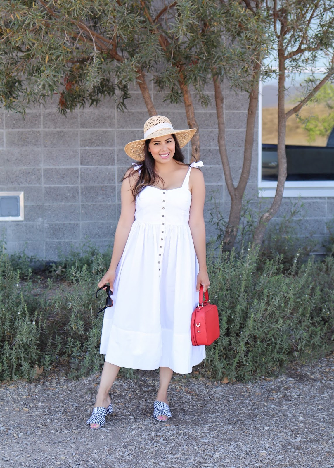 how to wear a white casual midi dress, white dress with red purse