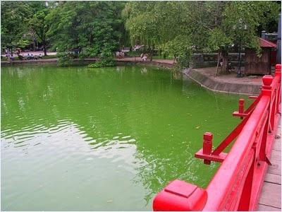 ทะเลสาบคืนดาบ (Lake of the Returned Sword)