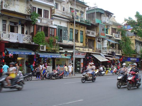 Calle comercial de Hanoi