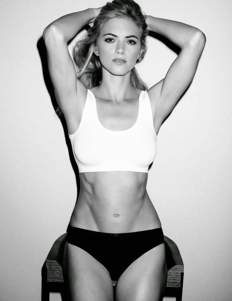 Full Frontal Nude Emily Wickersham
