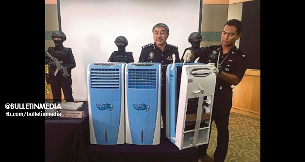 Kuala Lumpur : Beberapa Buah Alat Penyaman Udara Dan Sebuah Nissan Sentra MENGEMPARKAN Kota Damansara Petang Semalam