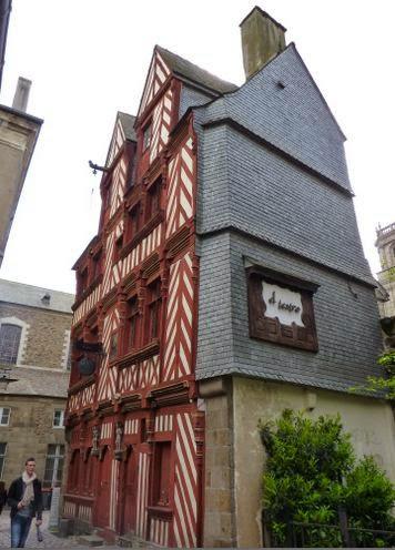 Casa Du Guesclin en la Rue Saint-Guillaume, Rennes.
