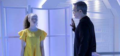 Pendleton (Dalton Vigh) planeja dar vida a Ester em cena de As Aventuras de Poliana