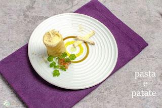 - Pasta e patate (Paccheri mit Kartoffelschaum und Belper Knolle)