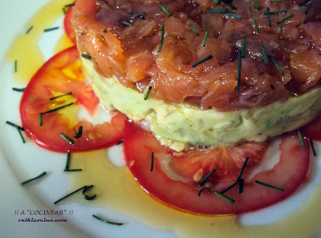 Tartar de salmón ahumado y aguacate
