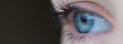 Segarkan Kembali Mata Anda Dengan Cara Alami Berikut Ini