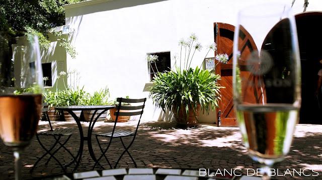 Môresonilla maistelemassa - www.blancdeblancs.fi