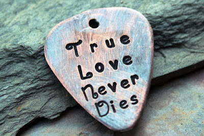 True-Love-Never-Dies-collections