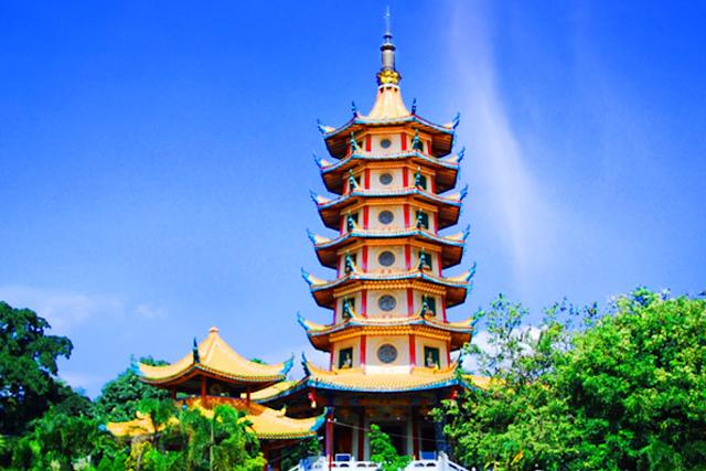 Pagoda Buddhagaya Watugong semarang