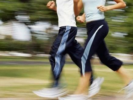 ممارسة الرياضة لمدة 10 دقائق يومياً (كالمشي السريع) كفيلة بزيادة العمر .