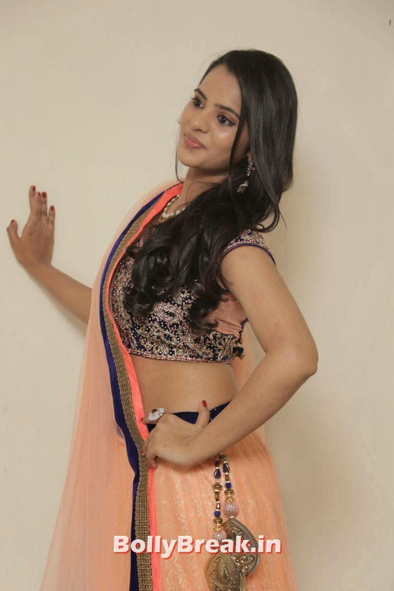 Manasa Photos, Actress Manasa hot Photos in Backless Choli & Lehenga