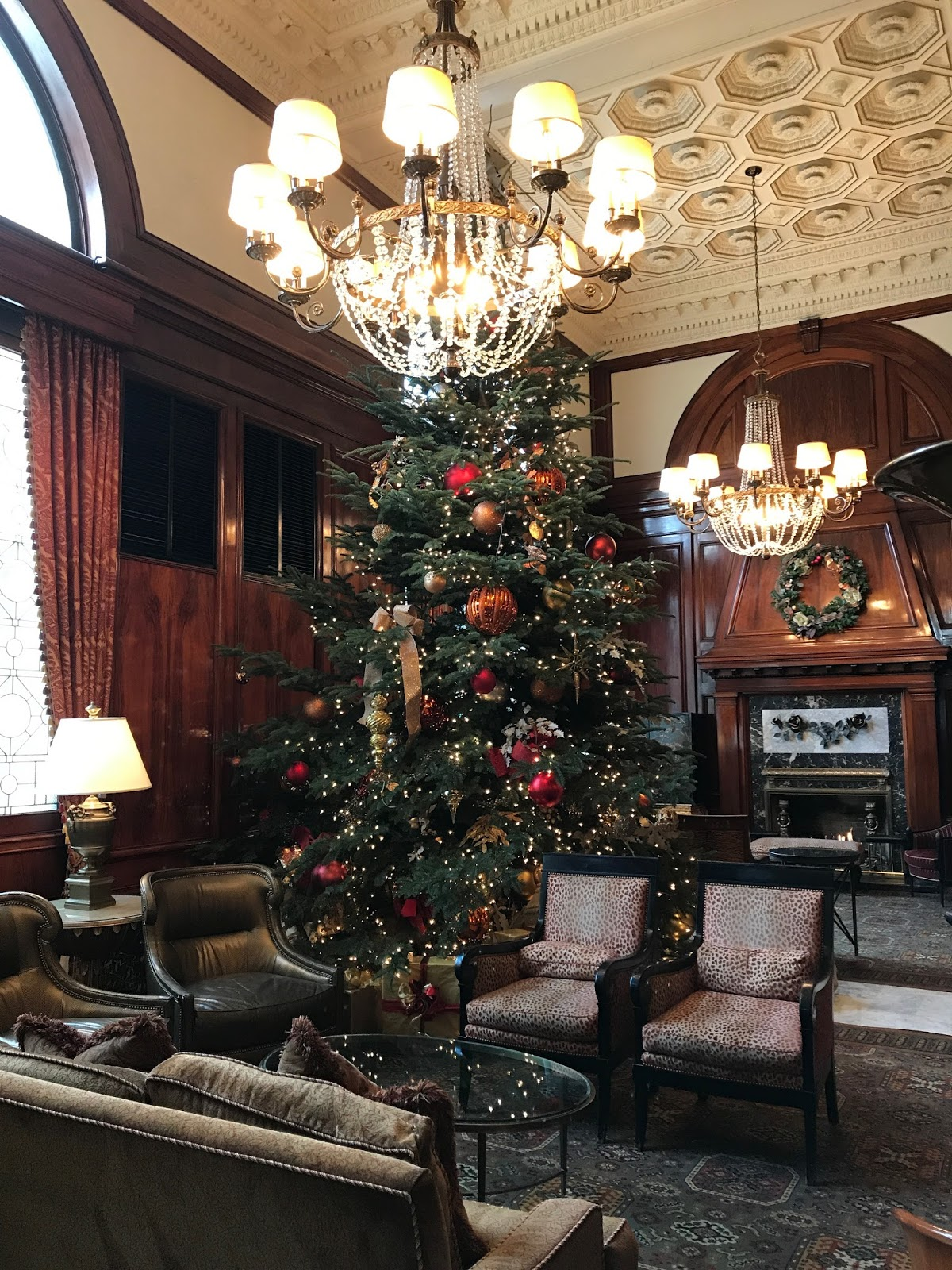 Travel Writer Rants And Raves: Portland Oregon: Exploring The Downtown Christmas  Decorations
