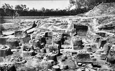 Mauryan ruins of pillared hall at Kumrahar site of Pataliputra