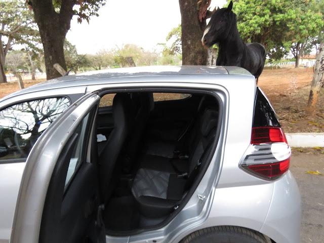 Fiat Mobi - espaço interior