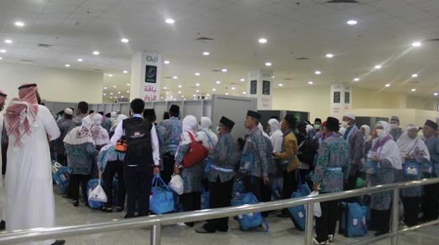 7 Travel Haji Ilegal Harus Ditindak tegas