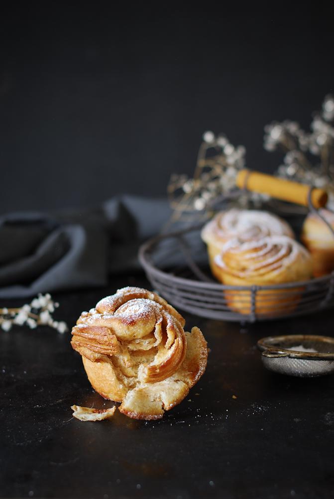 cinnamon-cruffin-canela-dulces-bocados