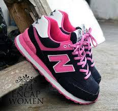 Sepatu New Balance Wanita Branded