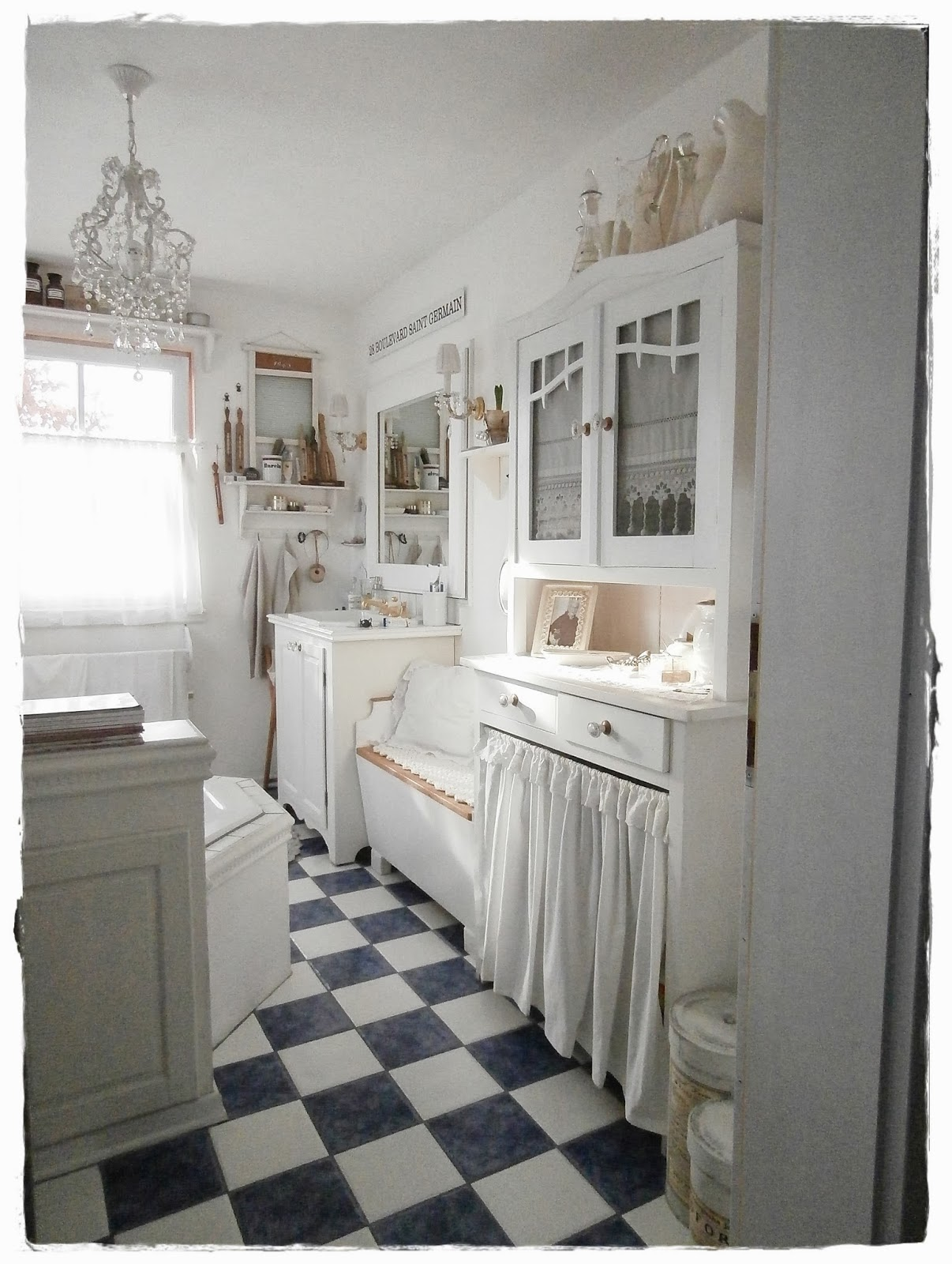 shabby landhaus vorher nachher bad. Black Bedroom Furniture Sets. Home Design Ideas