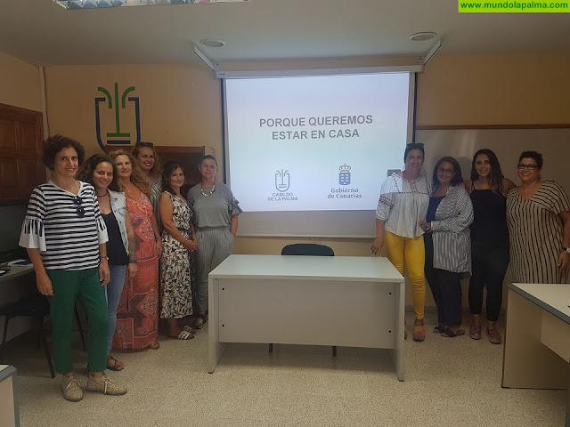 El Cabildo apuesta por la atención domiciliaria especializada a mayores con el programa 'Porque queremos estar en casa'