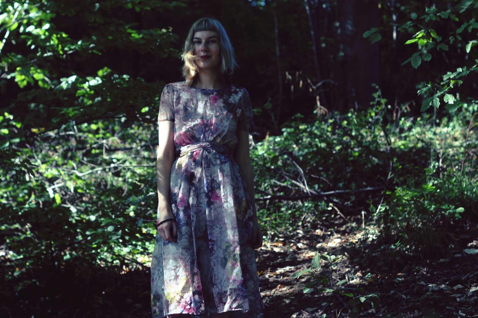 filipa canic, filipa canic blog, youarethepoet, you are the poet blog, rosegal, floral dress, forest,