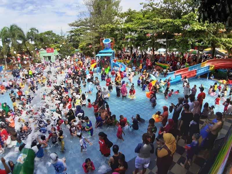 Taman Bermain Air Terbesar Pertama di Sukabumi