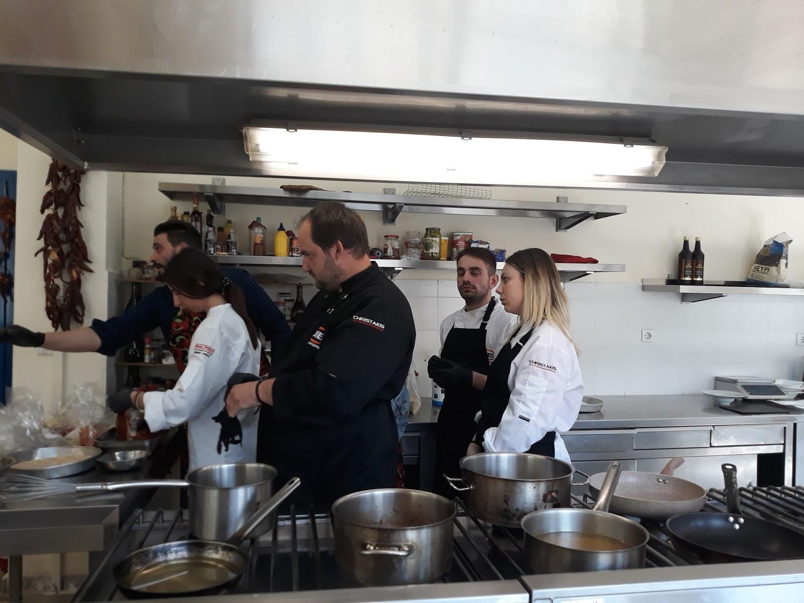 Γνωριμία και ενημέρωση των μαθητών του Τμήματος Μαγειρικής Τέχνης με τα  βότανα και τα μπαχαρικα (Φωτογραφίες). 3b50ce23f39