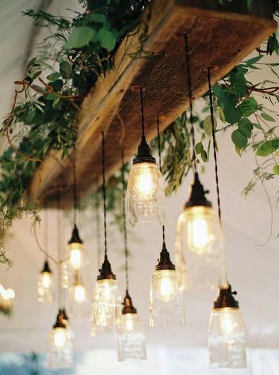 10. Instalasi lampu toples mason bergaya rustic