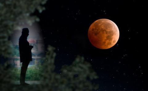 28 Juli 2018 Akan Terjadi Gerhana Bulan, Berikut Ini Tata Cara Shalat Gerhana Bulan