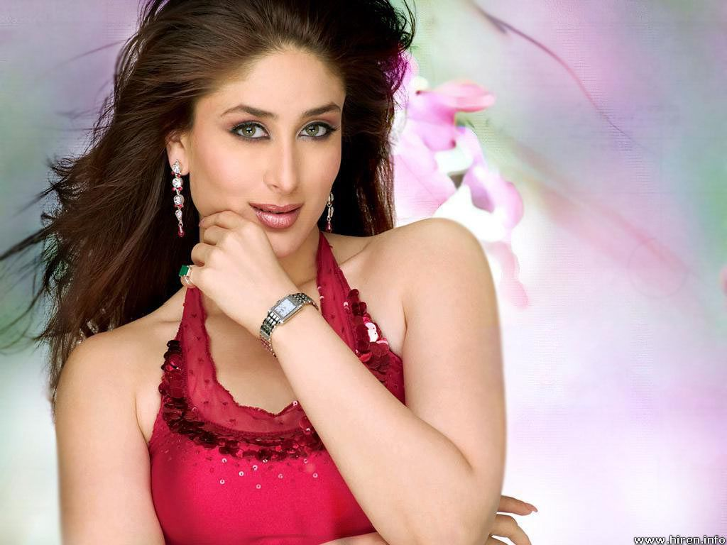 Kareena Kapoor mini biography and beautiful wallpaper