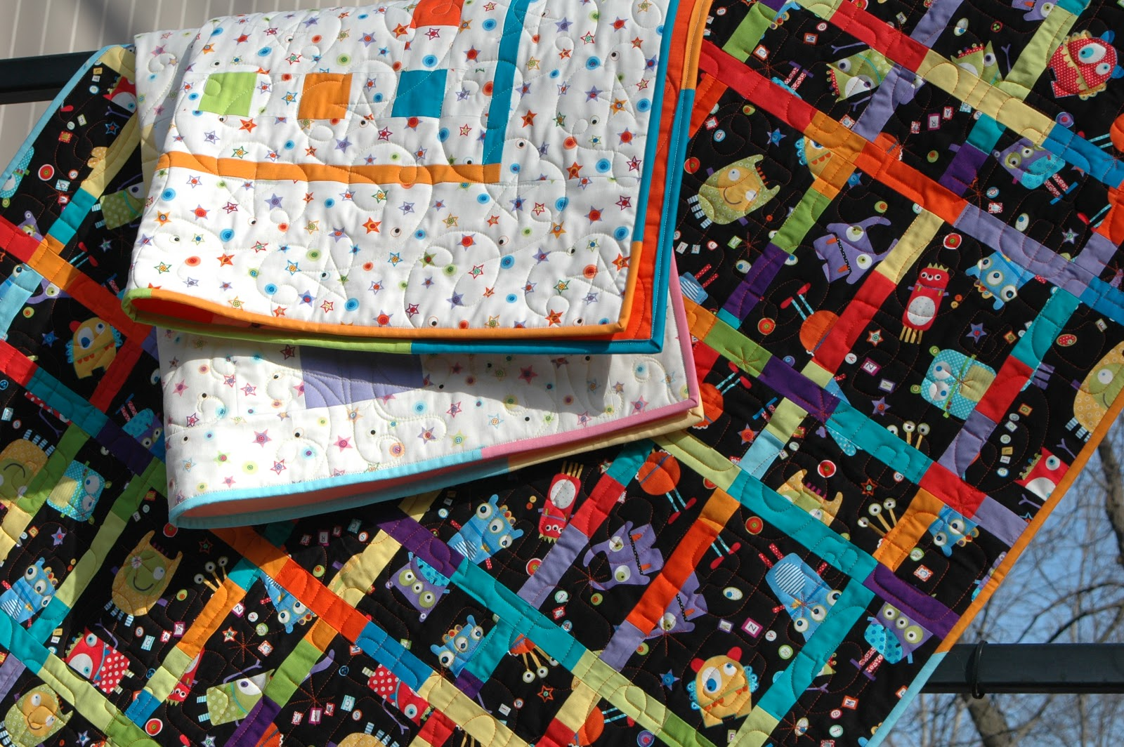 Quilt Patterns With 3 Fabrics : Modern Quilt Relish: Modern Quilt Kits at Quiltcon! Part I, Benartex Googlies