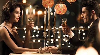 موعد لقاء غرامى عشاء رومانسى رجل امرأة حبيب حبيبته man woman love romance date romantic dinner