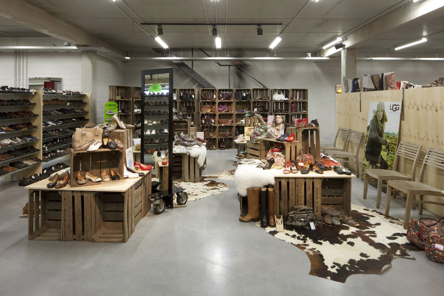 Imagine these retail interior design moernaut temporary - Interior design for retail stores ...