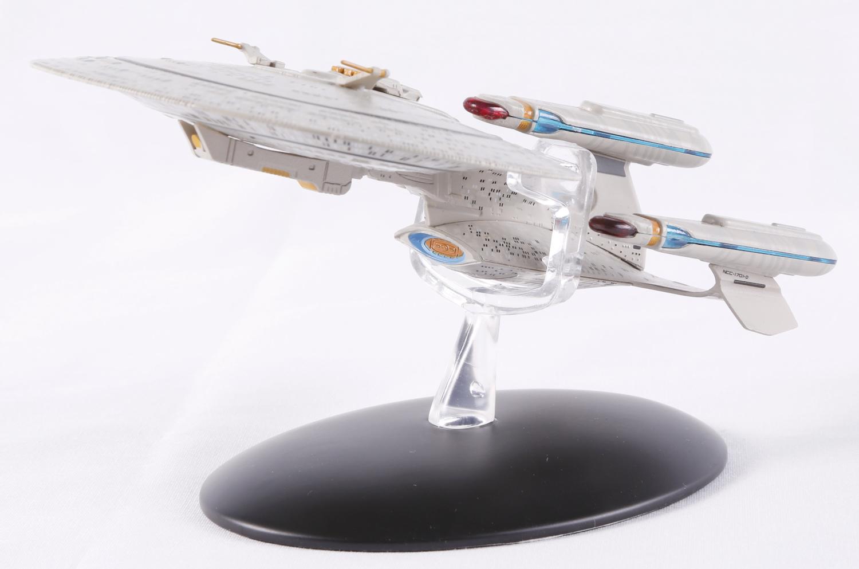 The Trek Collective: Triple Tri-nacelle Enterprise-D Review