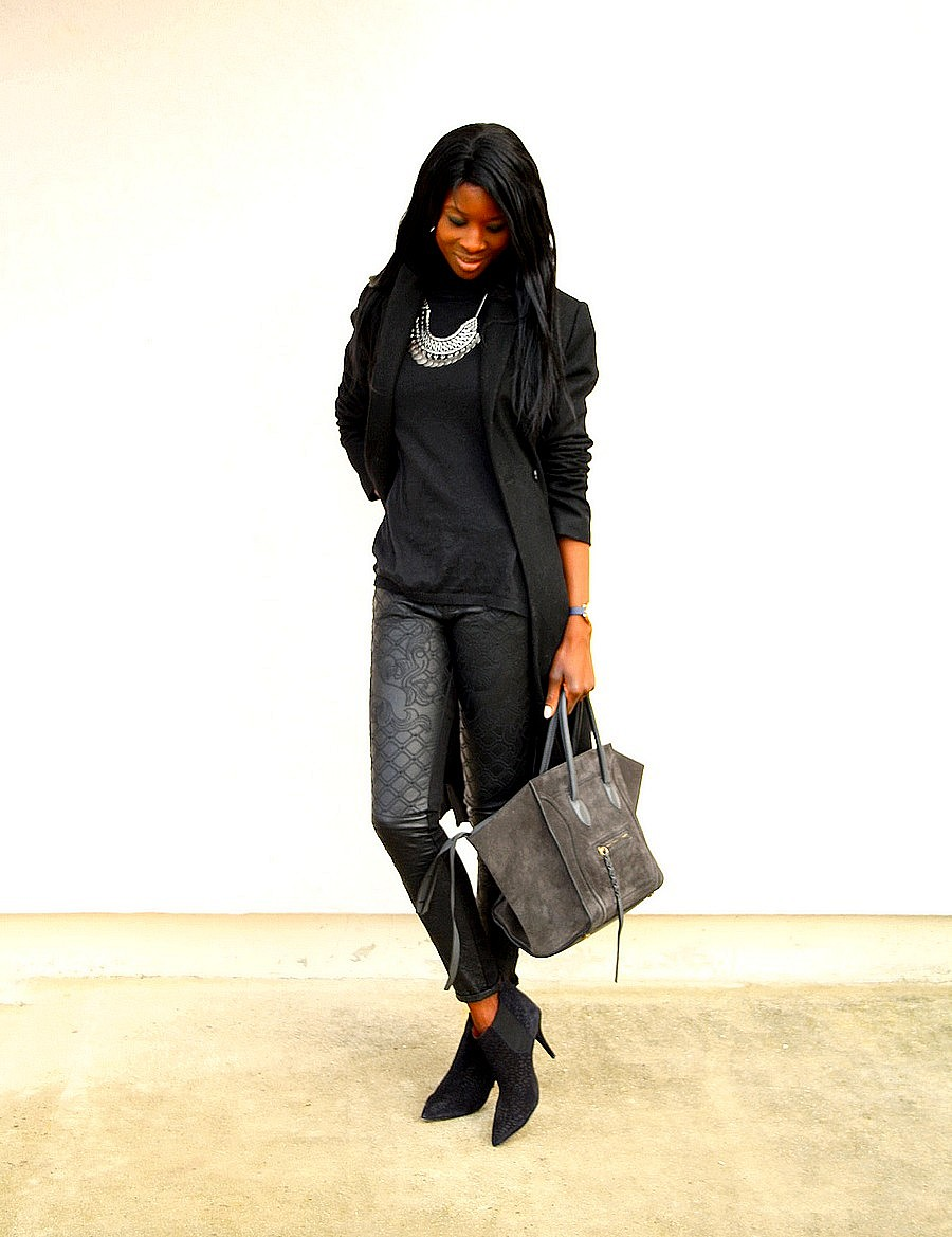 tenue-all-black-boots-isabel-marant-celine-phantom-bag-manteau-long-collier-plastron