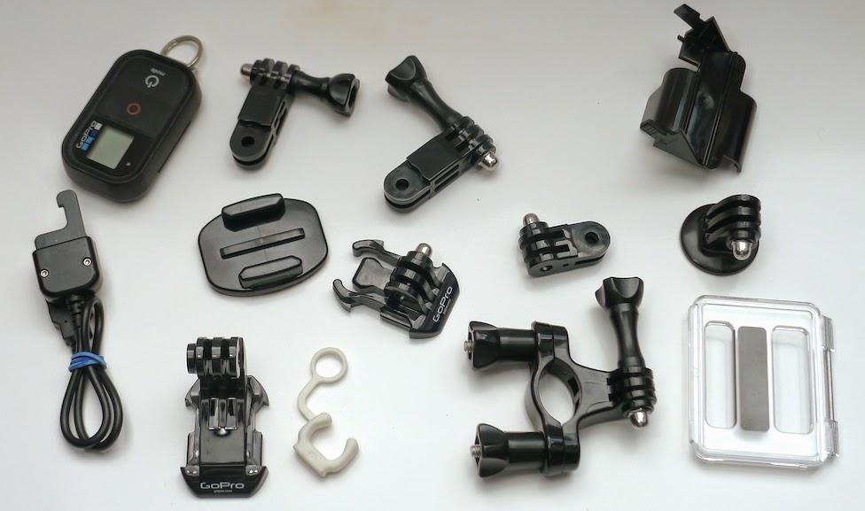 GoPro une multitude de petits accessoires ...