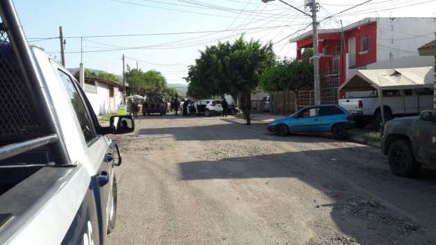 NUEVO GOLPE AL NARCO EN SINALOA;ASEGURAN CAMIONETA REPLETA DE ARMAS