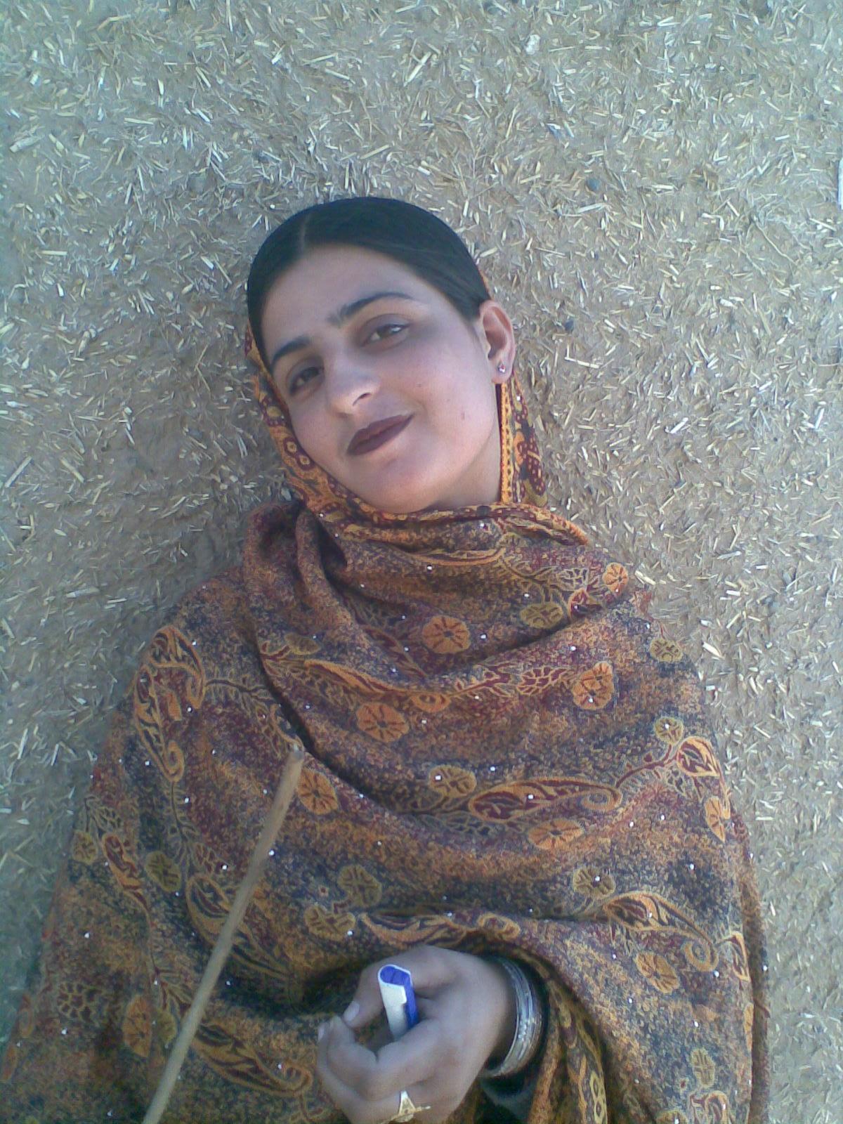 Women In Saree: Pictures: Baloch Girls