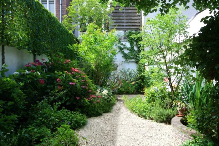 jardines de amsterdam largos y estrechos pero