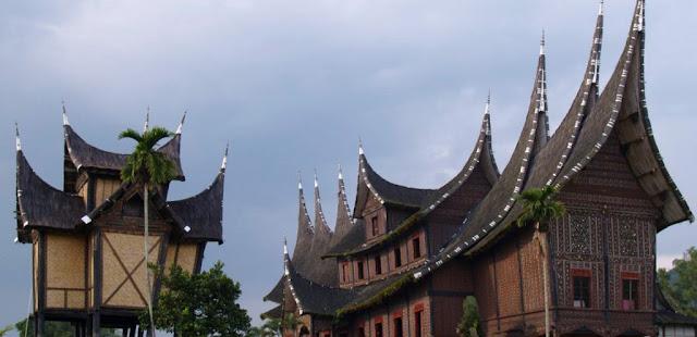 Fungsi Rumah Gadang di Minangkabau