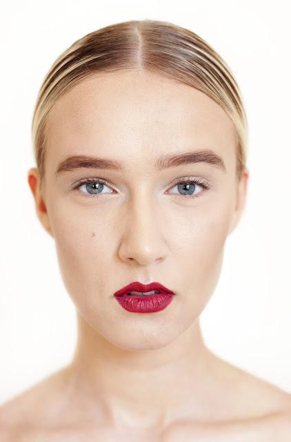 Beauty Junkie I E Caby Mac Eye Shadow: MAKEUP JUNKIE: Makeup 101: Crimson Lips For Fall