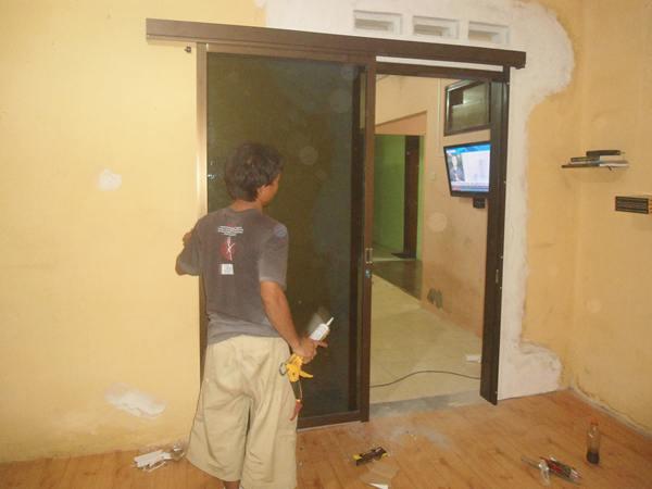 pintu sliding aluminium