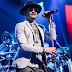 Pemakaman Chester Benningtong, Tamu Pakai Gelang Seperti Di Konser