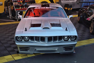 1971-Plymouth-Barracuda-with-a-Viper-V10-06-620x413