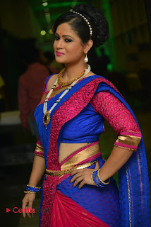 Anchor Shilpa Chakravarthy Stills in Saree at Nayaki Audio Launch  0051
