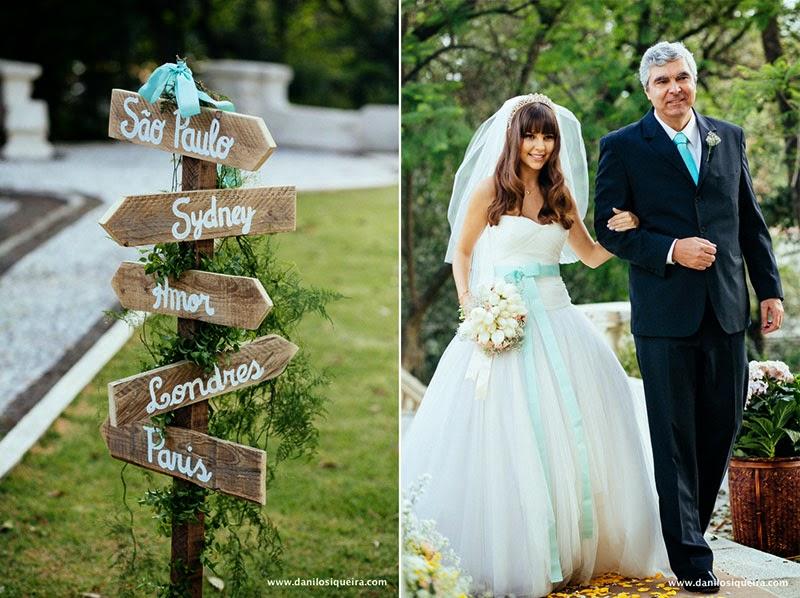 cerimonia - noiva - noiva princesa - penteado noiva - noiva cabelo solto - bouquet - vestido noiva fita azul - entrada noiva - pai noiva - placa casamento - plaquinha indicacao - plaquinha casamento - azul tiffany - algo azul - something blue - casamento de dia - casamento ao ar livre