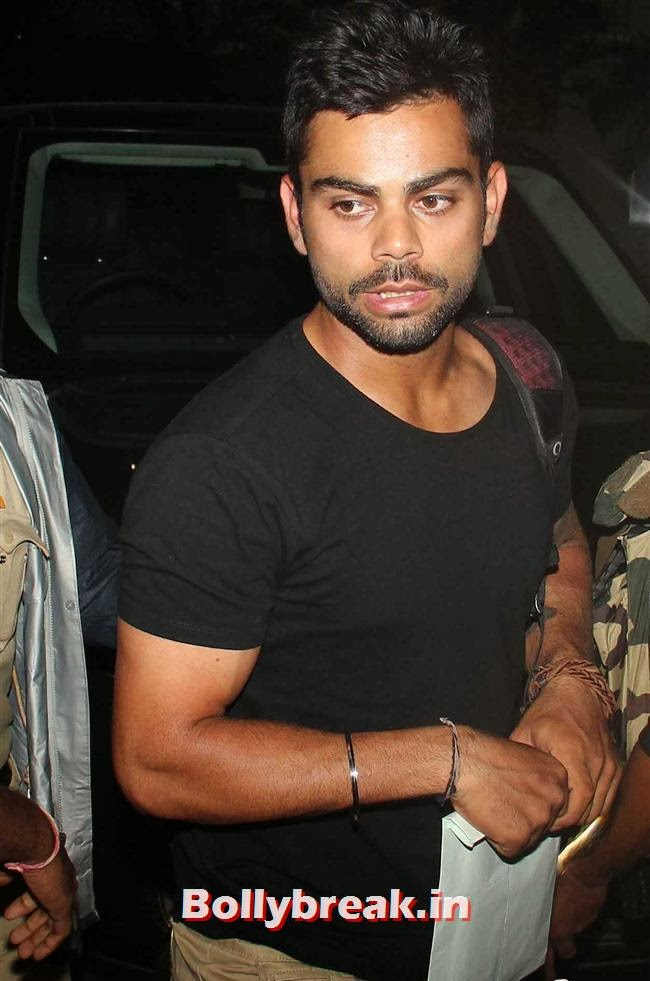 Virat Kohli, Indian Cricket Team Return from South Africa at Mumbai Airport
