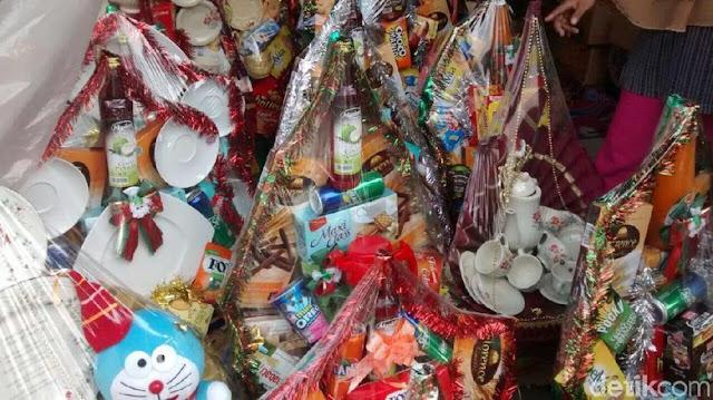 Pedagang Parsel Heran Penjualan Tahun Ini Sepi