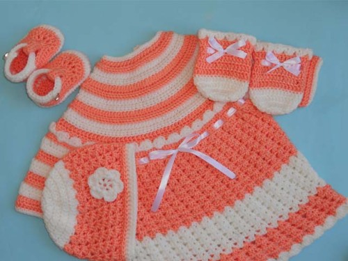 Baby Dress, Hat and Mittens - Free Pattern